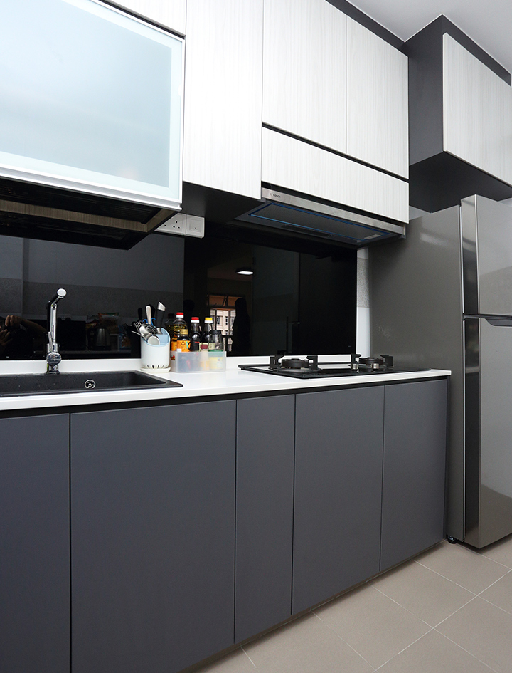 Minimalist Home Interior Design Singapore Kitchen Top with Cabinet