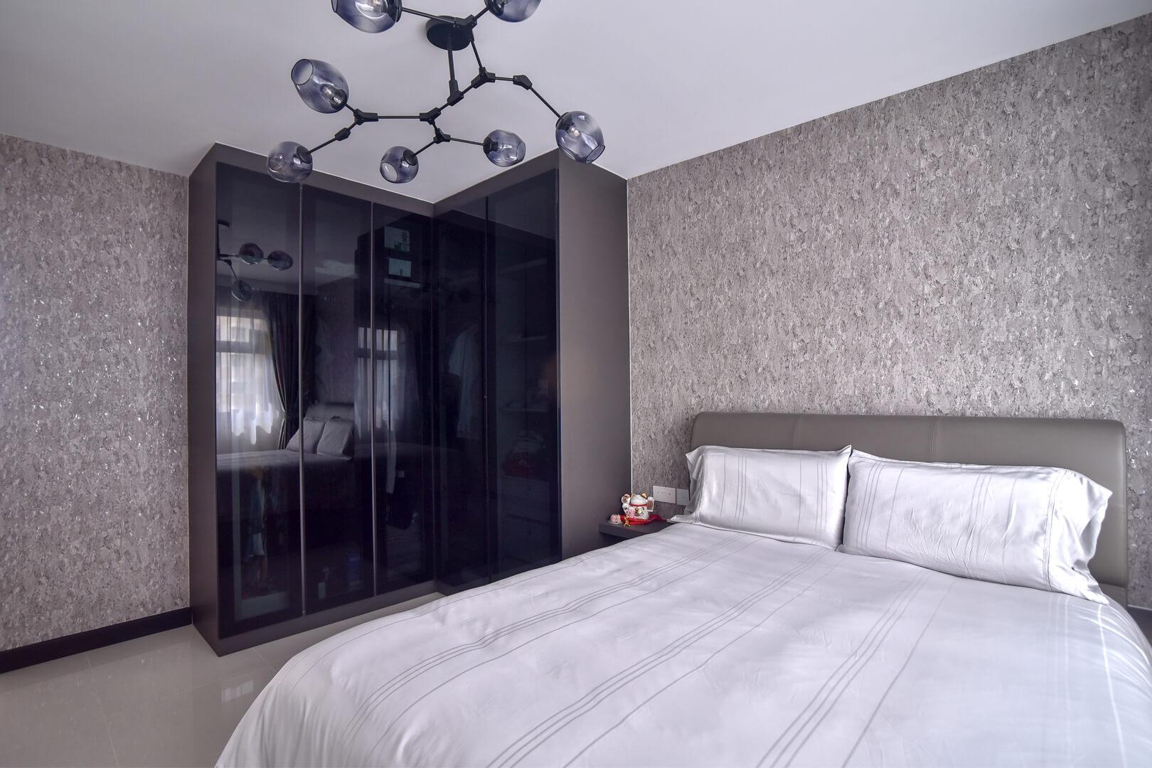White Monochrome Interior Design Master Room View