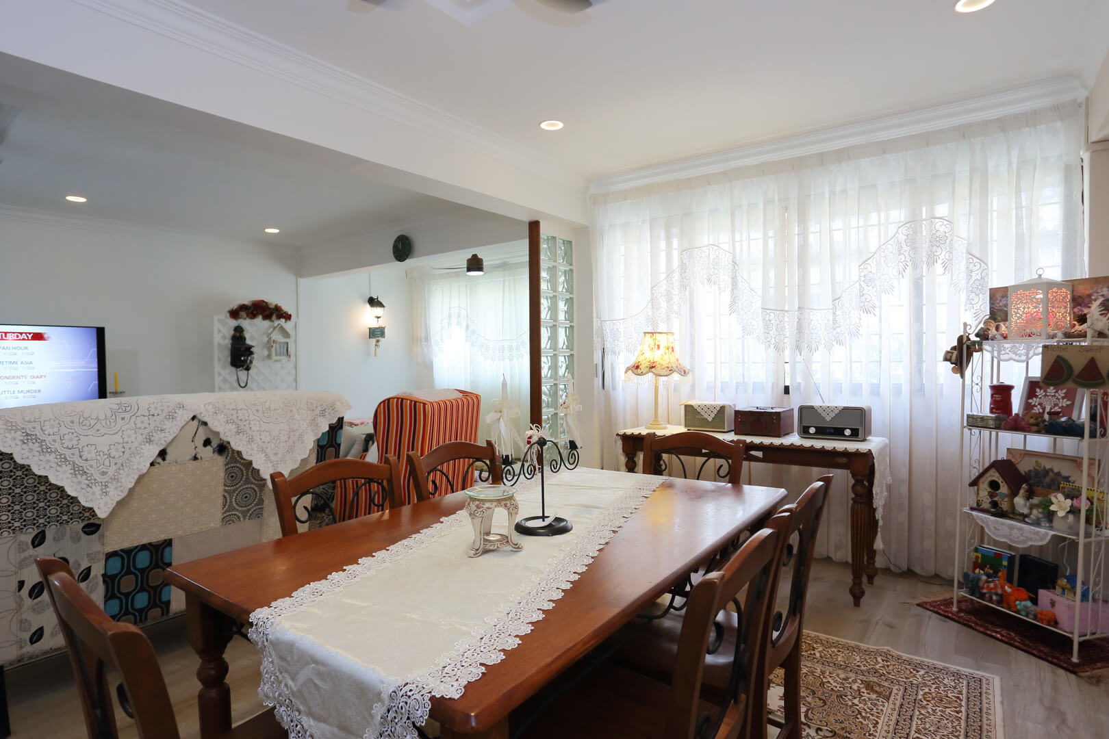 Country Chic Ambiance Interior Design Living Dining Area View